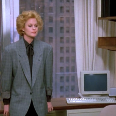 Working-Girl_Melanie-Griffith_Loose-Glencheck-jacket-front